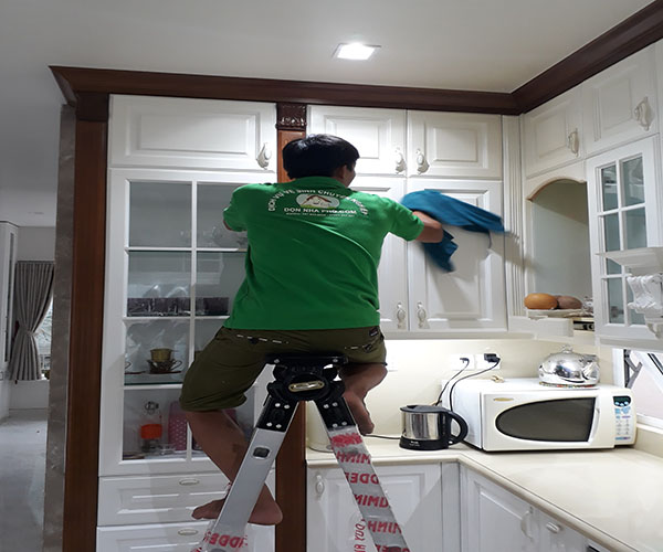 Vệ sinh tủ bếp
